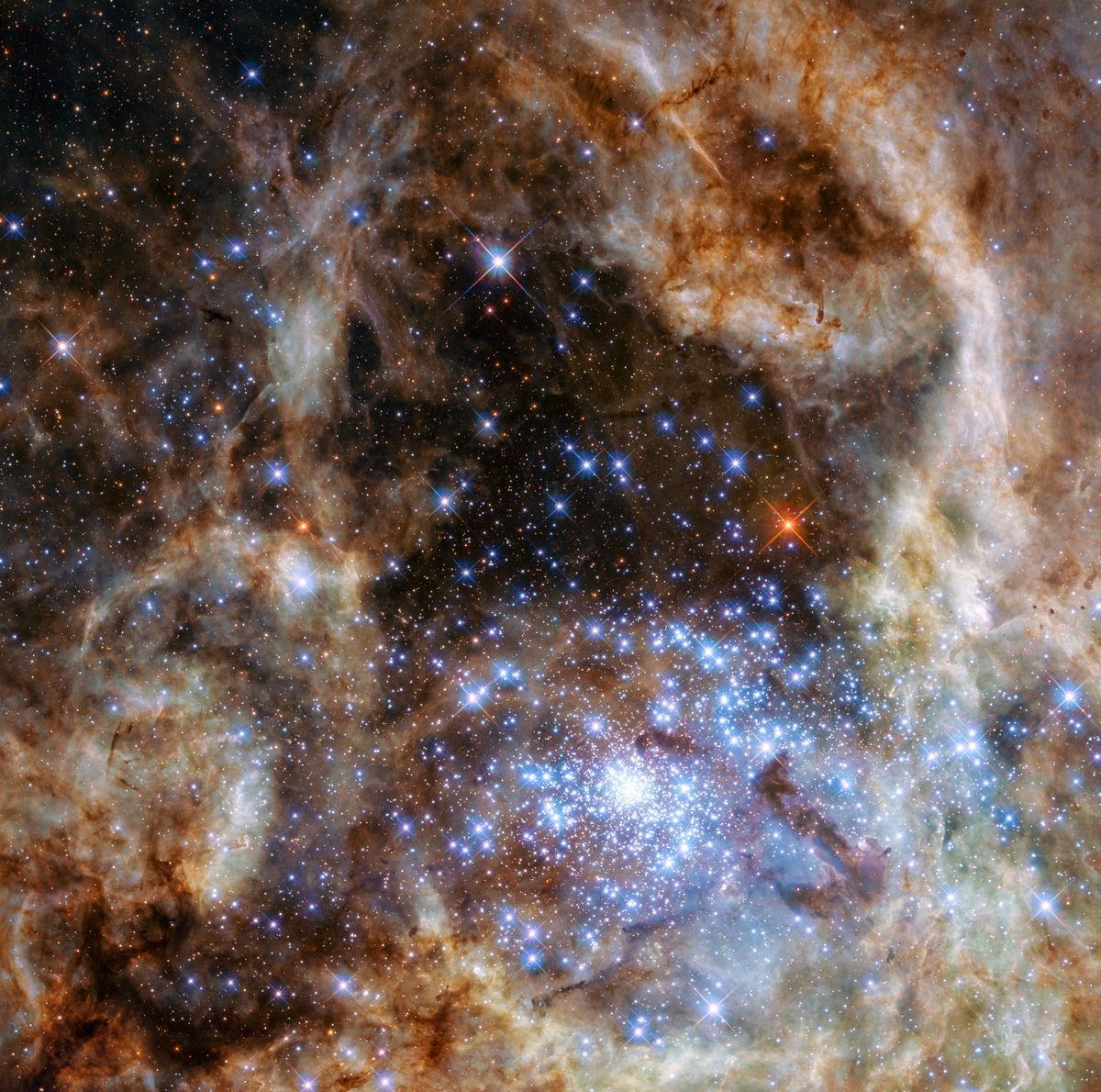 Tarantula-nebula-central-region-hubble